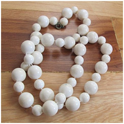 Super Mod White Necklace