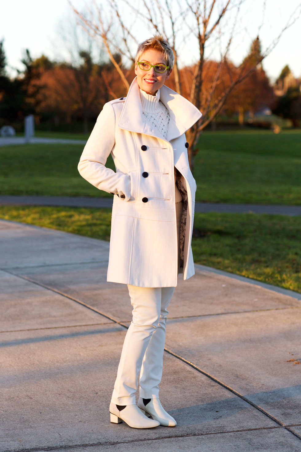 Cropped White - Coat Open