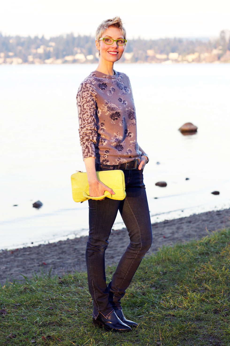 Monochromatic Modern Jumper & Bag