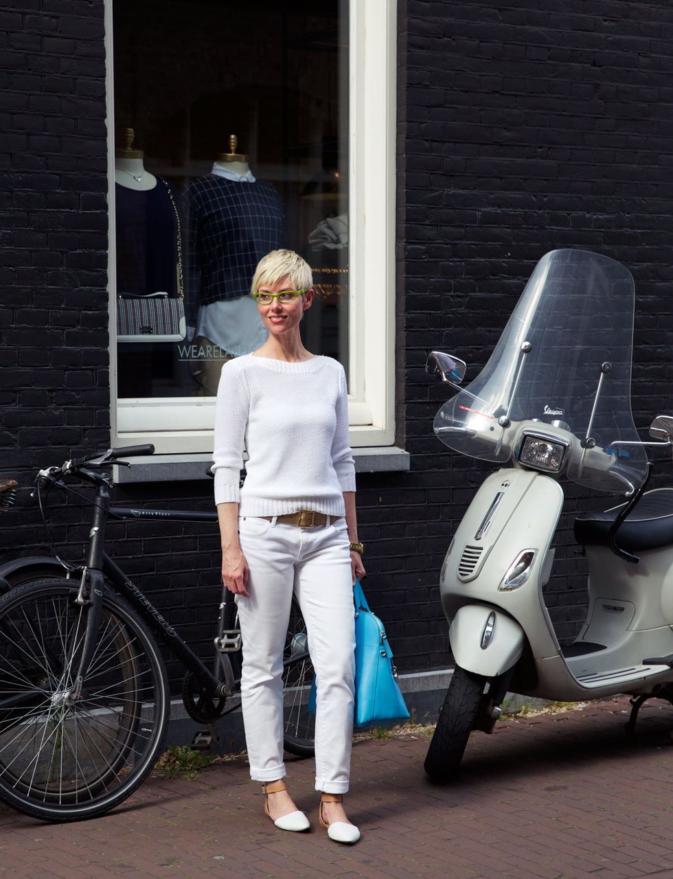 White Column - Vespa