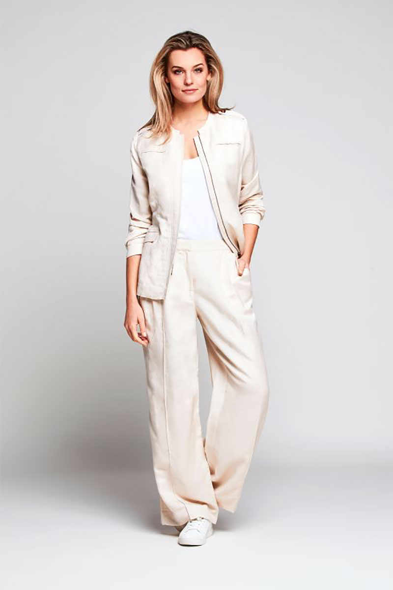 Relaxed Sandy Suit