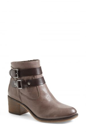 c0ebb8b1499 Nordstrom Anniversary Sale  Footwear and Accessories - YLF