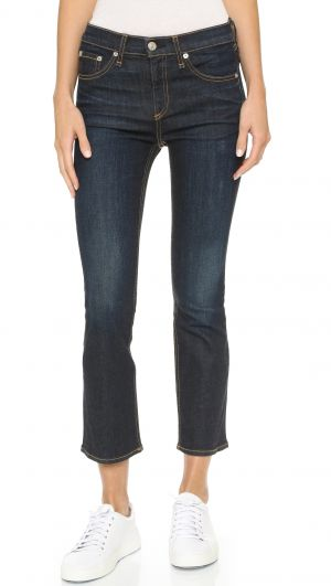 4669a88e3ed The Role of Jeans in Your Wardrobe - YLF