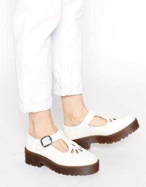 03daf2242b9a Nine  90s Inspired Footwear Trends - YLF